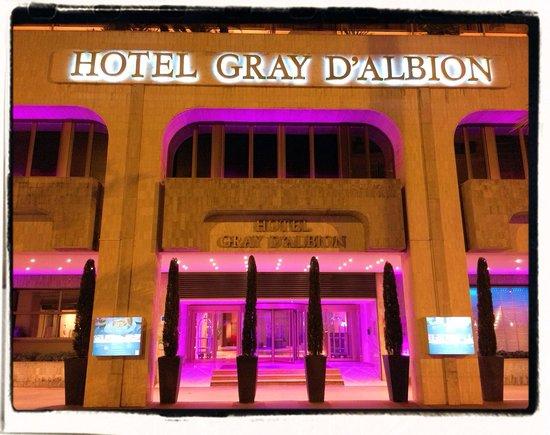 Hôtel Barrière Le Gray d'Albion: Entrée