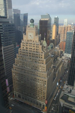 Millennium Broadway New York Times Square : Paramount building from room 5001