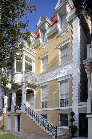 Luxury Living Savannah: Exterior