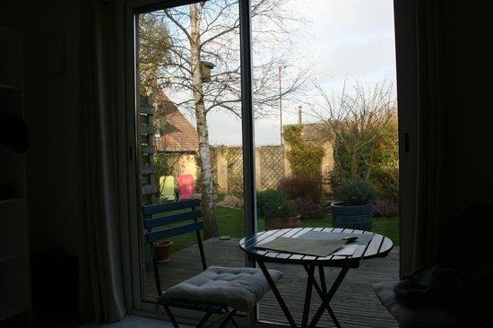Wissant l'Opale : Vue de la chambre vers le jardin