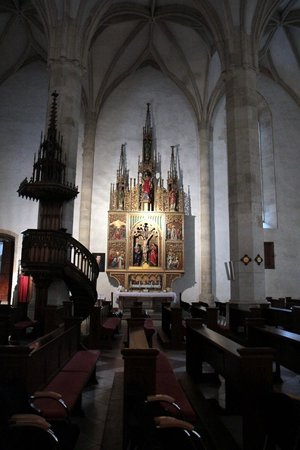 St. Martin's Cathedral (Dom svateho Martina): St. Martin's Cathedral - Gothic altars