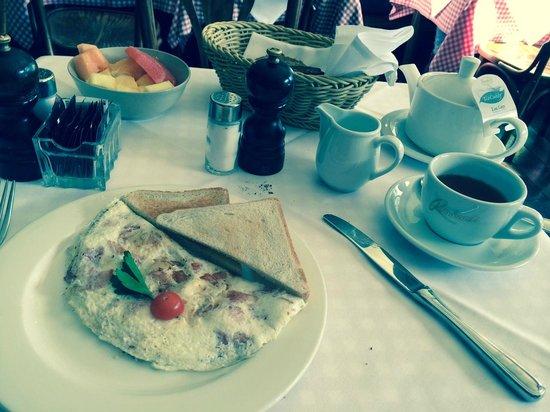 Kempinski Hotel Bristol: Breakfast