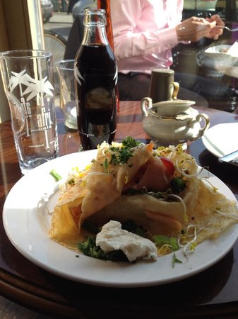 Zimt & Zucker Kaffeehaus: Salmon and horseradish cream crepe/ Lachs mit Meertischcreme Crepe