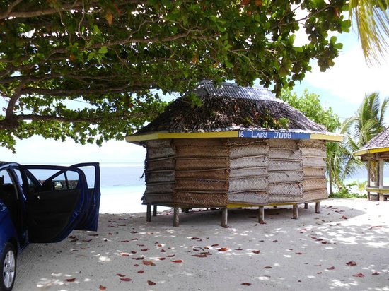 Tanu Beach Fales: Lady judy beach fale