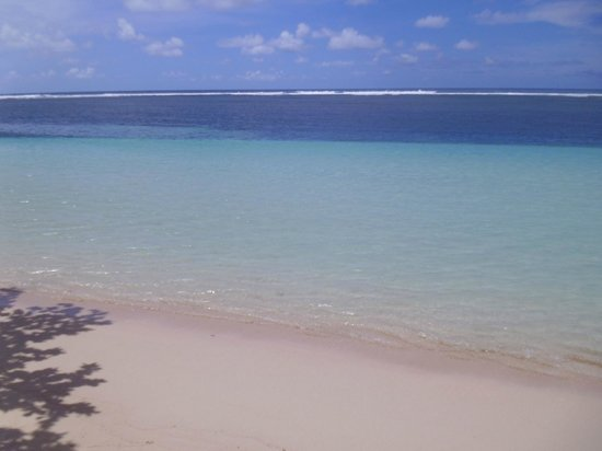 Tanu Beach Fales: Manase beach