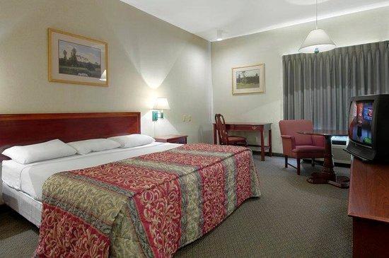 Red Roof Inn Roanoke - Troutville: Standard King