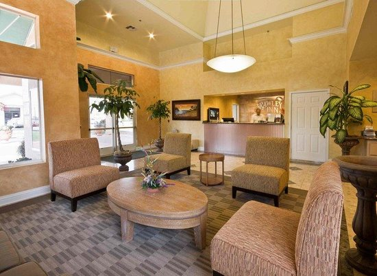 Brawley Inn Hotel & Conference Center: Hotel Lobby