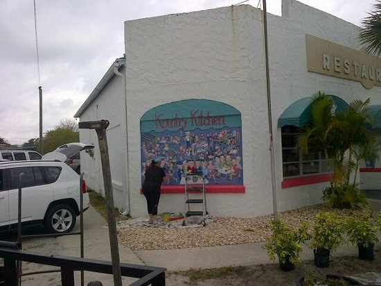 Kountry Kitchen mural being painted
