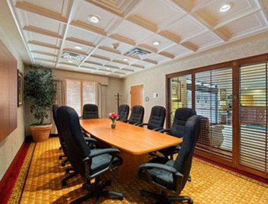 Holiday Inn Express & Suites Jacksonville Airport: Meeting Room