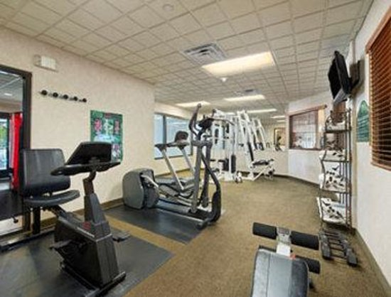 Holiday Inn Express & Suites Jacksonville Airport: Workout Room