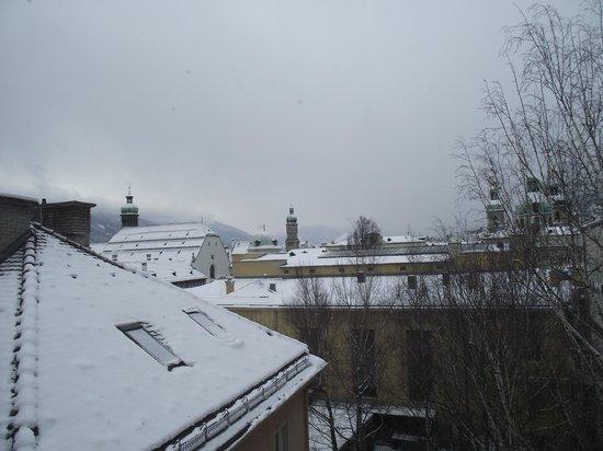 Hotel Grauer Bär: Vista do meu quarto, numa manhã gelada
