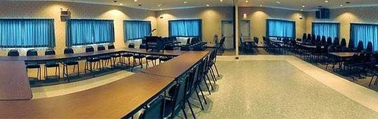 Hilltop Inn: MEETINGROOM