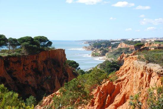Pine Cliffs Residence, a Luxury Collection Resort: Vue en se rendant au green du 9e