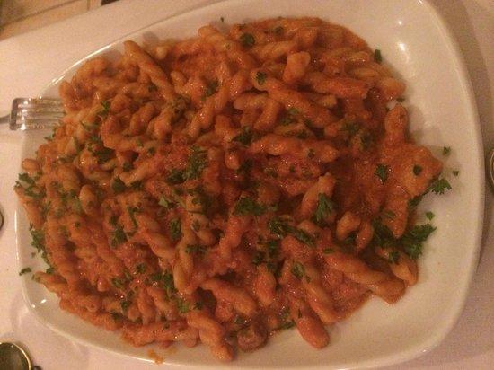 Mediterraneo Cucina Siciliana: Pasta Mediterraneo.  Yum!