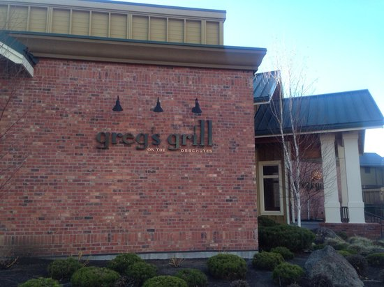Greg's Grill: Front Enterance