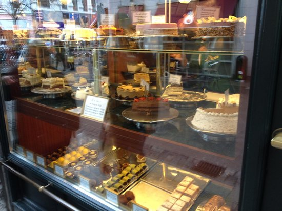 Conditori La Glace: some of the amazing cakes/pastries
