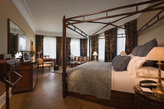Castlemartyr Resort: Manor Suite