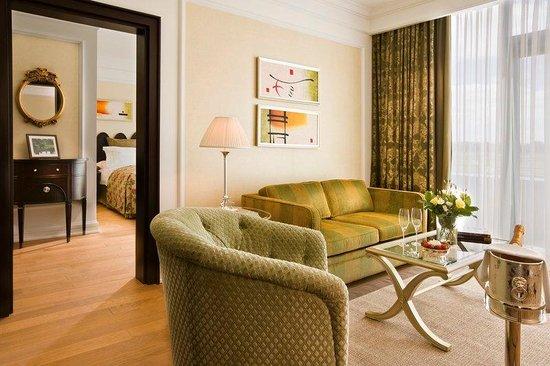 Castlemartyr Resort: Junior Suite