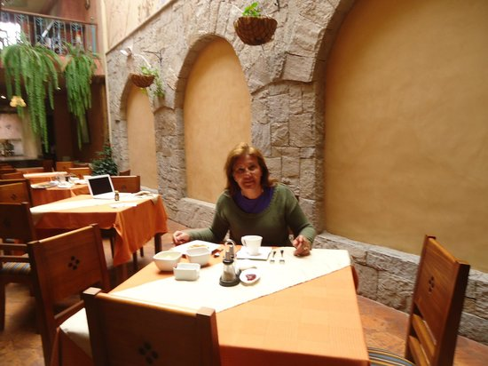 Hostal Ines Maria: Desayunando