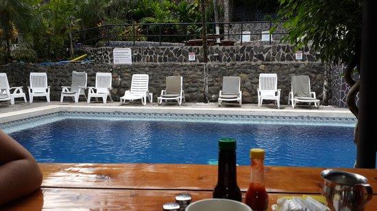 Hotel Mimos: Piscina