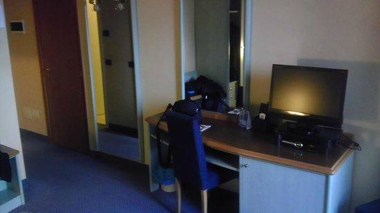 Hotel Europa: Room