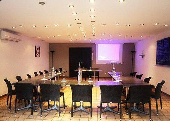 Logis Hôtel Le Grill : Seminar Room