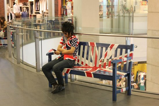 Terminal 21 : Random guy who was sitting on a bench`