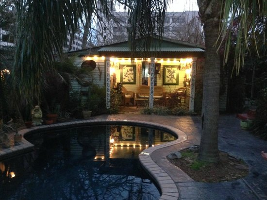 Lookout Inn of New Orleans: Pool and cabana