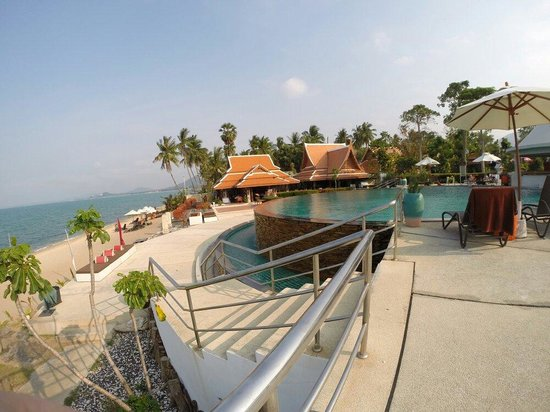 Samui Buri Beach Resort : Piscine