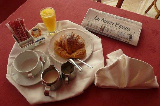 Continental breakfast Hotel IDH Angel ***