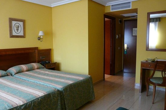 Superior Room of the Hotel IDH Angel ***