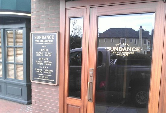 Sundance The Steakhouse : Front entrance