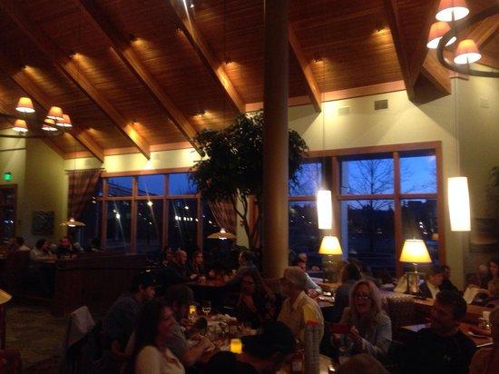 Greg's Grill: Dining Room