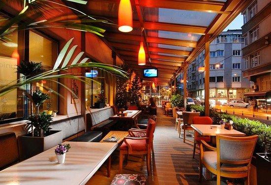 Bar at Nippon Hotel Istanbul