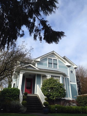 Queen Anne Hill: Beautiful House