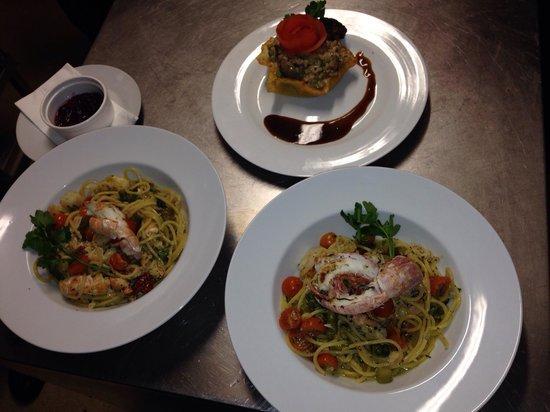 Pinocchio Italian restaurant & Wine bar: Risotto and spaghetti alla chitarra! Just heaven !!