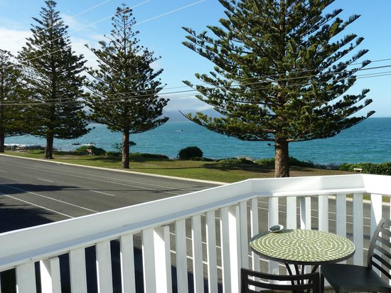 Kaikoura Boutique Hotel: Another view from the balcony