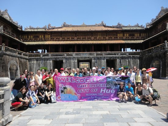 World Mate Travel - Vietnam Day Tours : Incentive group in Hue