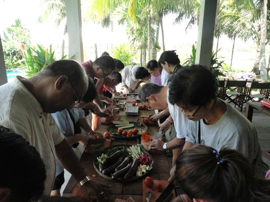World Mate Travel - Vietnam Day Tours : Cooking Class for Incentive Group in Hoian