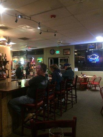 Hog Wild BBQ: Nice beer and wine bar