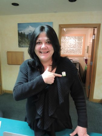 Mount Shasta Resort: I presented BONNIE w/Trip Advisor pin for excellence