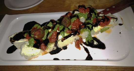 Cielo's Tapas and Oyster Bar: Bruschetta