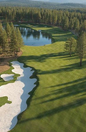 Iron Horse - Tahoe Mountain Lodging: 5 minutes to championship golf