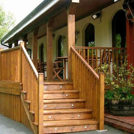 The Cedar Lodge Hotel