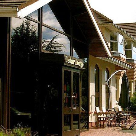 The Cedar Lodge Hotel: Cedar Lodge Hoteland Restaurant Ireland Exterior