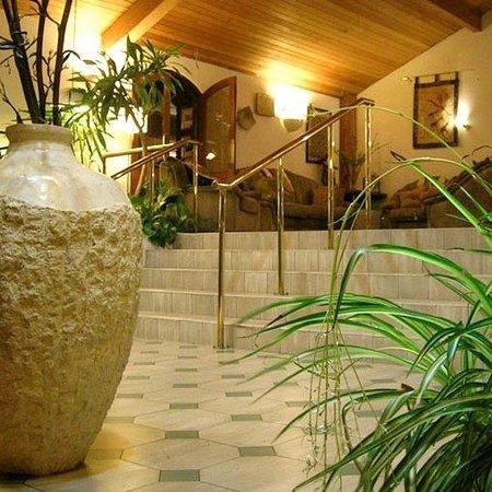 The Cedar Lodge Hotel : Cedar Lodge Hoteland Restaurant Ireland Lobby