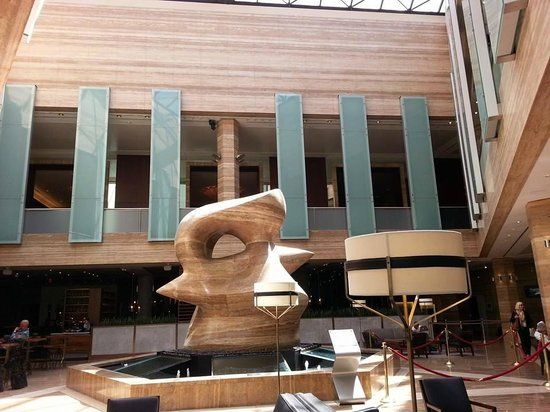 InterContinental Miami: Beautiful lobby, with a sculpture that I loved.