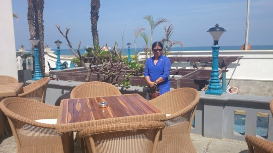The Promenade: Sea-Side dining