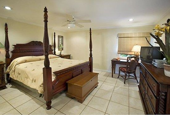 Crystal Cove Beach Resort on Sapphire Bay: Bedroom