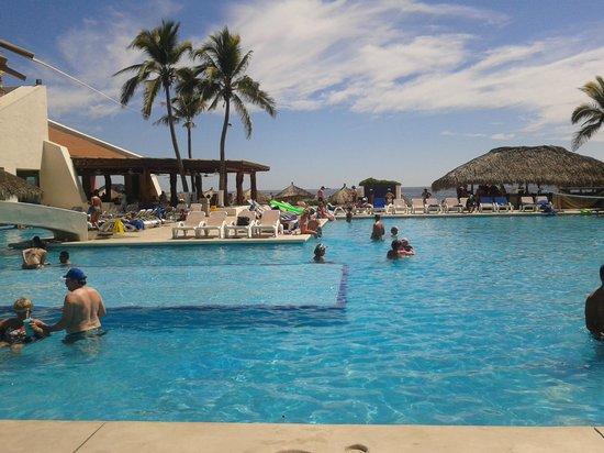 Park Royal Ixtapa: Alberca